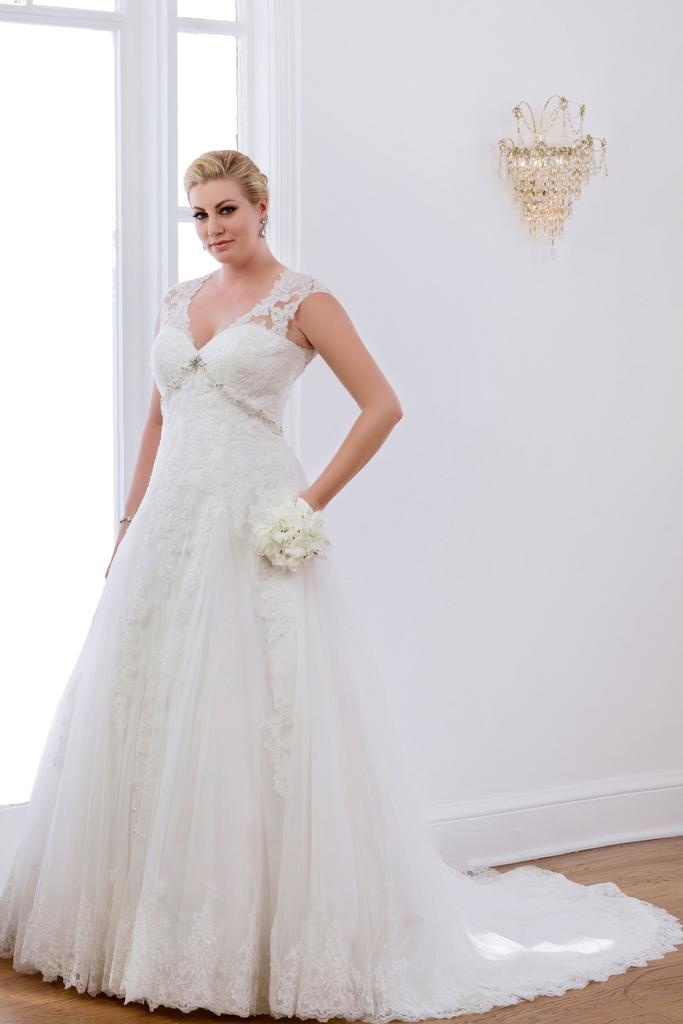 VW8700 - Venus Ivory Plus Size Vintage Wedding Gown With V - Neckline Illusion Back.