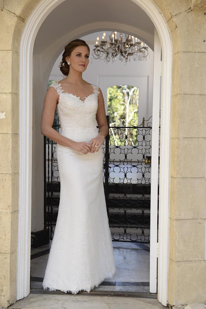 VN6904 - All Over Lace Sweetheart Neckline Illusion Back Wedding Dress